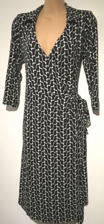 SERAPHINE BLACK /WHITE PRINT WRAP JERSEY DRESS SIZE UK 10-12